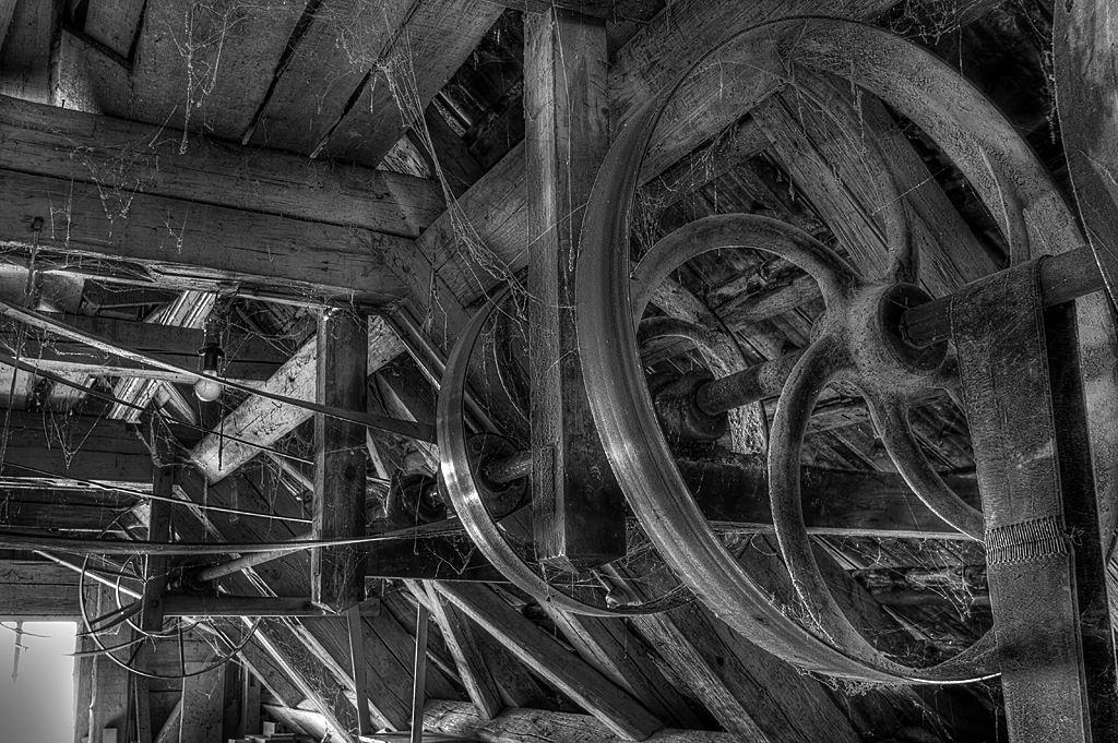 alte muehle riggisberg abandoned mill bern schweiz swiss switzerland urban exploration hdr hdri black white